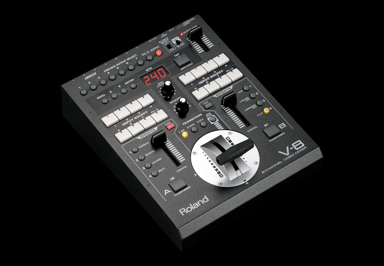 v8 Roland